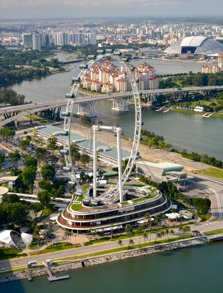 singapore observation wheel view and bay
