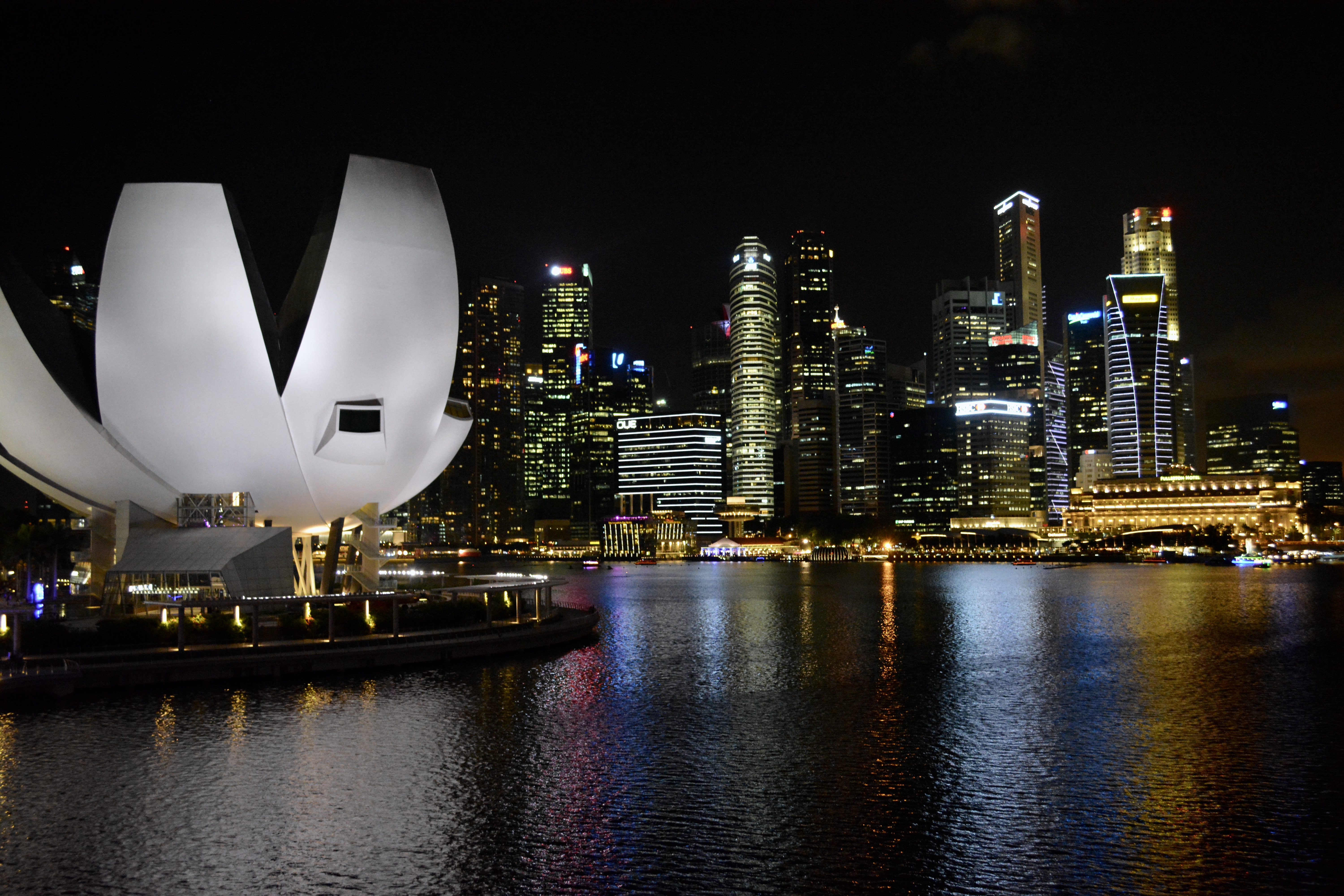 singapore bay and skyline by night